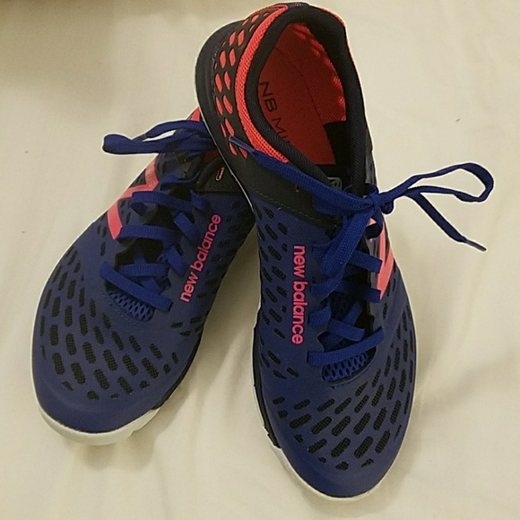 2cda2506d4b63 Minimus 20v4 Trainer WOMEN S CROSS TRAINING SHOES.  M 5a8f8a7185e6050f311163a8